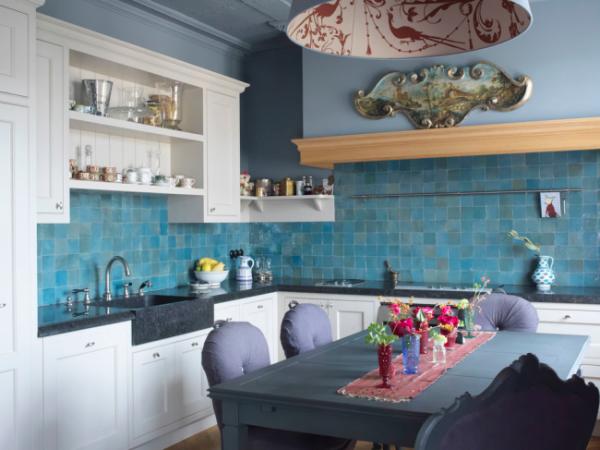 покрашенные стены в интерьере кухни