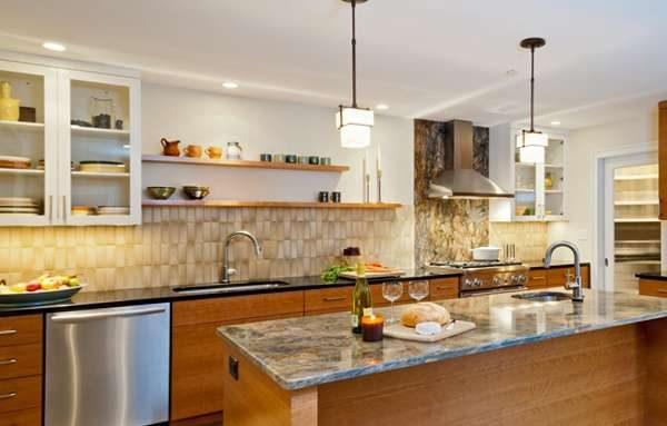 фигурная керамическая плитка на фартуке кухни