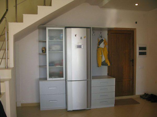 холодильник за пределами кухни