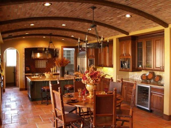 потлок кухни в итальянском стиле