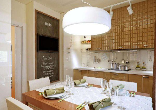 кофейный оттенок глянфевых фасадов на кухне