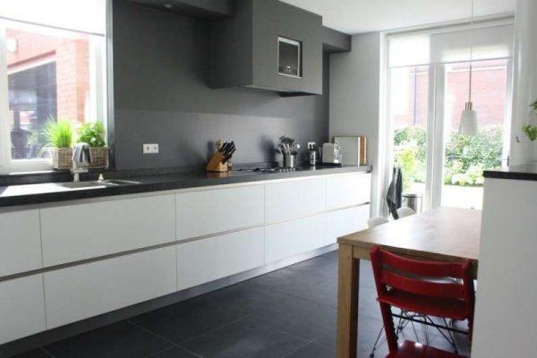 кухня хай тек без верхних шкафов