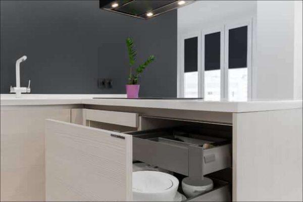 кухня в стиле минимализм без верхних шкафов
