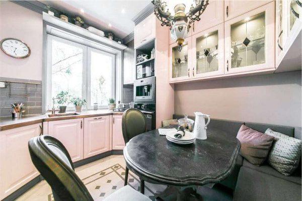 розовый стильный кухонный гарнитур