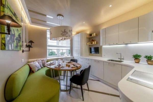 угловая кухня с угловым диваном