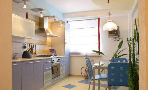 дизайн кухни со светло фиолетовыми фасадами