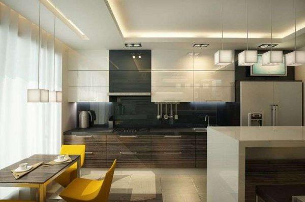 дизайн кухни с белыми глянцевыми фасадами