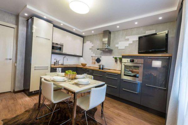 угловая кухня-гостиная с обеденным столом