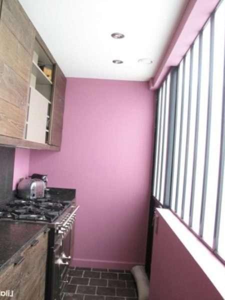 розовые стены для кухни на балконе