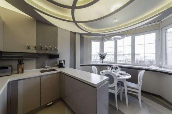 столовая на балконе совмещённом с кухней
