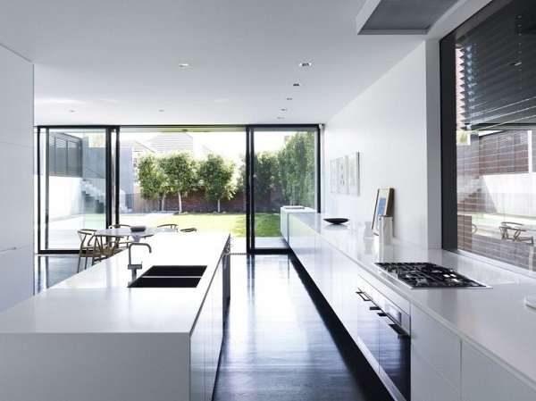 дизайн кухни в стиле минимализм с островом