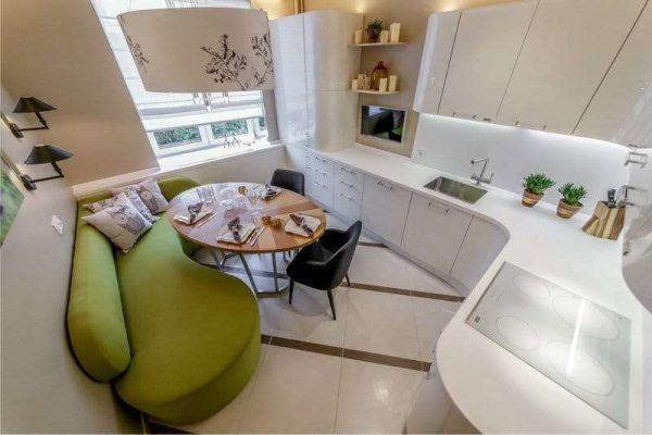 угловой кухонный гарнитур с диваном