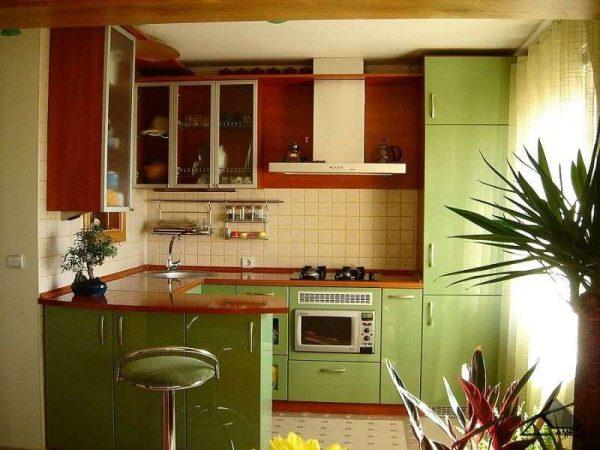 кухня оливково-коричневого цвета
