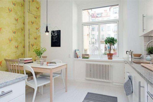 стена на кухне оливкового цвета