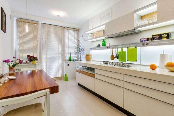 кухня в стиле минимализм в светлых тонах