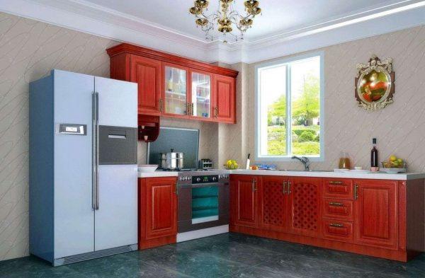 красный гарнитур на кухне в стиле неоклассика