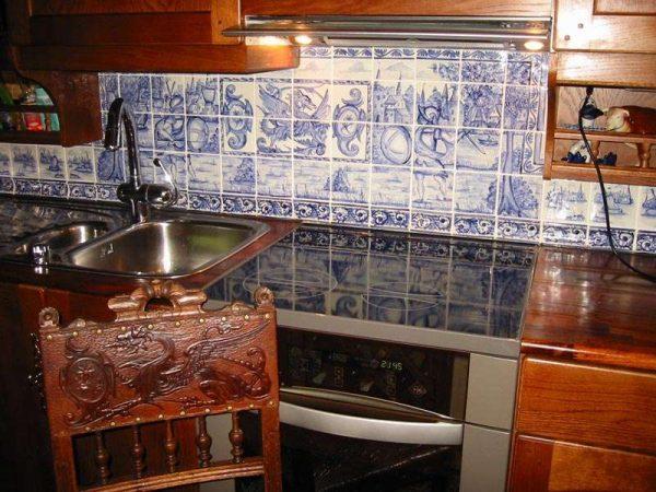 изразцы на кухне в стиле кантри