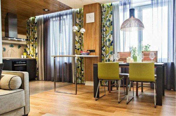 кухня в японском стиле с деревянными балками на потолке