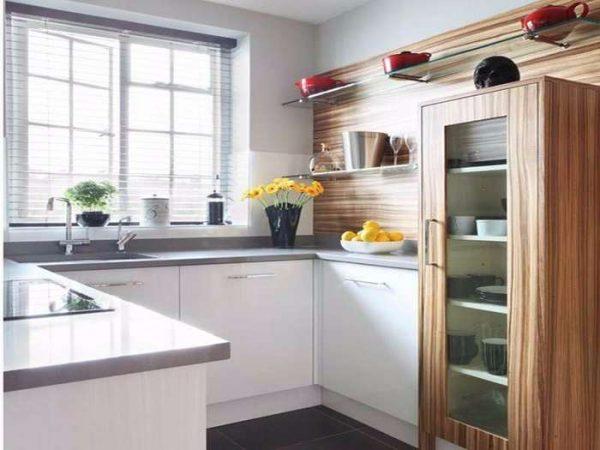 п-образное расположение шкафов на маленькой кухне