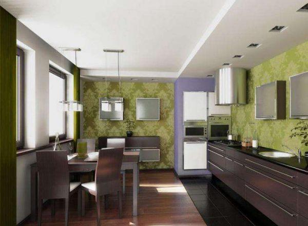 зелёные с орнаментом обои в кухне