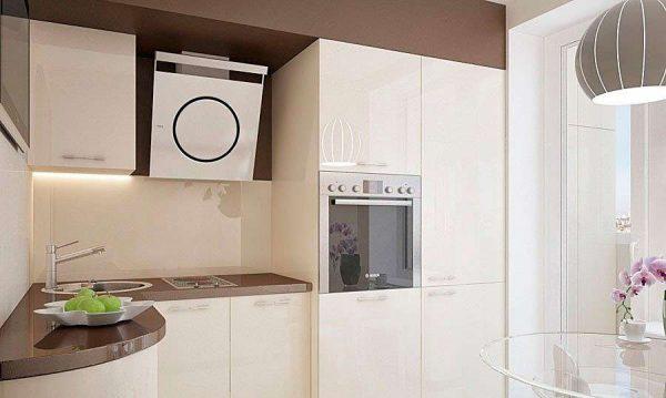 угловая белая кухня после ремонта