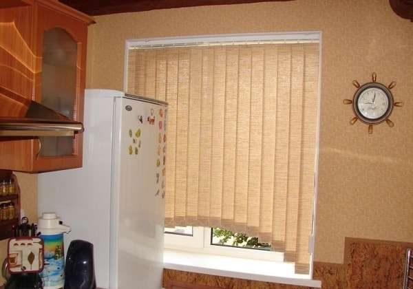 жалюзи шторы на кухне