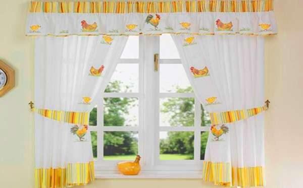 светлые шторы на кухню своими руками