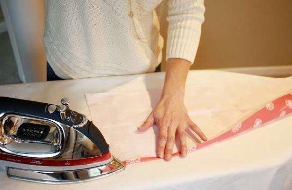 shtori-na-kuhnyu-svoimi-rukami-6-600x392 Как пошагово сшить шторы на кухню своими руками по выкройке?
