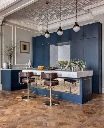 сочетание синего цвета с белым в интерьере кухни