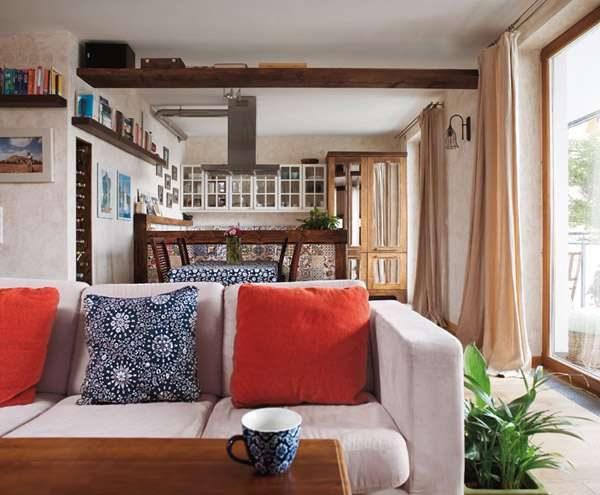 диван на кухне в средиземноморском стиле
