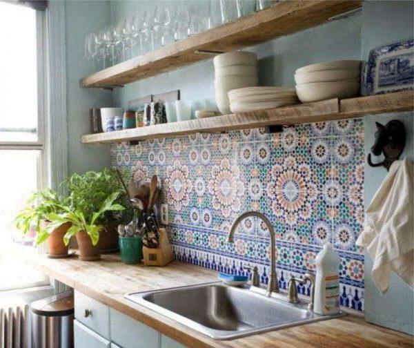 фартук в средиземноморском стиле в интерьере кухни