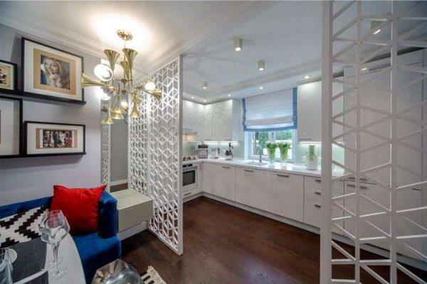 интерьер кухни гостиной с раздвижными преегородками