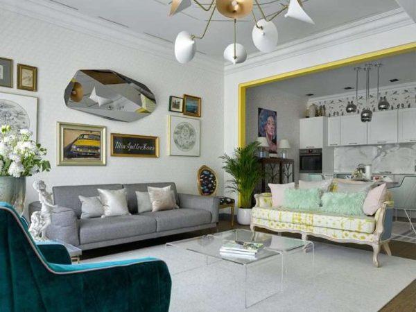 интерьер светлой кухни гостиной