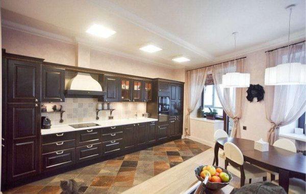 интерьер кухни гостиной разными полами