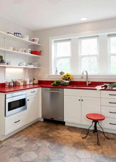 красная столешница в интерьере кухни