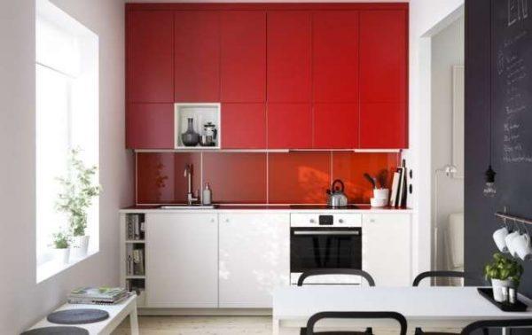 красный и белый цвет в интерьере кухни