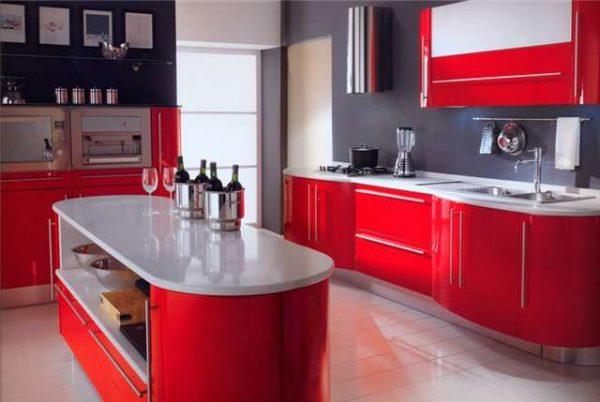красный в интерьере кухни хай тек
