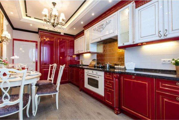 красно белый гарнитур в интерьере классической кухни