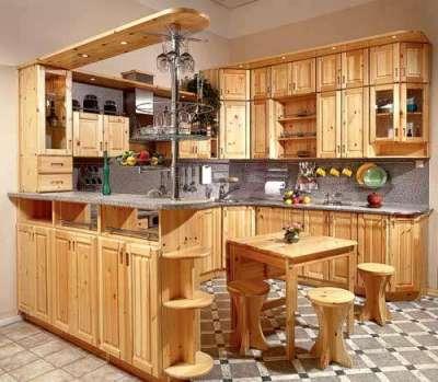 П-образная кухня из мебельных щитов в сборе
