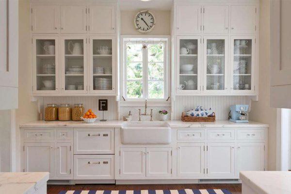 кухня белого цвета в стиле прованс