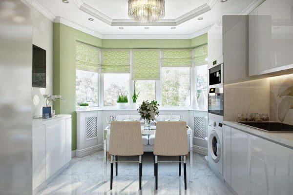 рулонные шторы на окне кухни