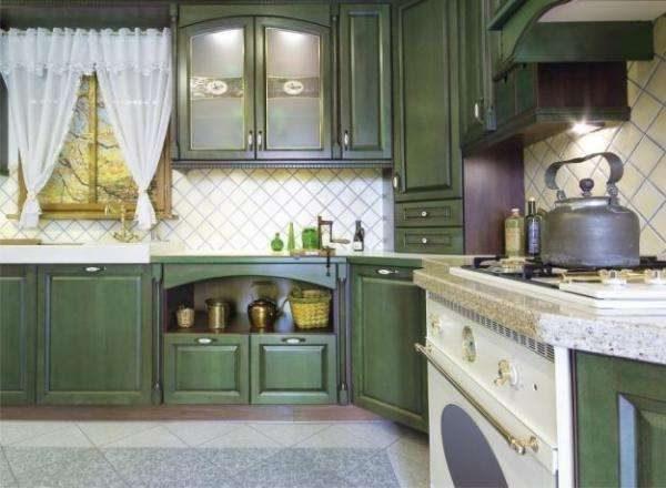 зелёная кухня прованс в частном доме