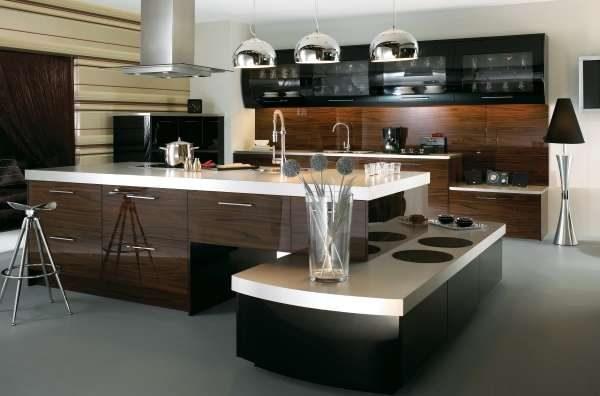 Дизайн кухни в стиле хай тек в частном доме