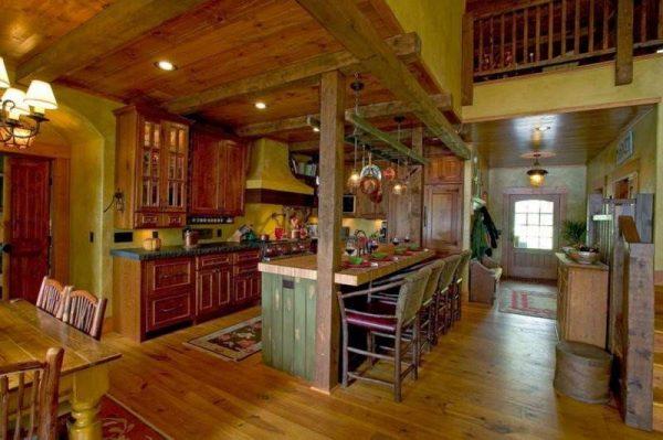 интерьер кухни в деревянном доме в американском стиле