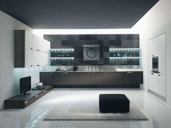 ровный потолок серый в интерьере кухни в стиле хай тек