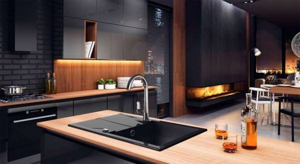 интерьер тёмной кухни в стиле хай тек
