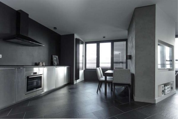 серый цвет на кухне в стиле хай тек
