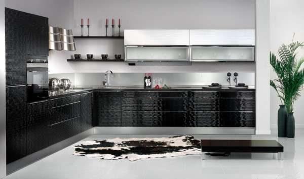 чёрно-белый гарнитур в интерьере кухни в стиле модерн