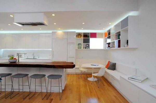 белый гарнитур на кухне в стиле модерн