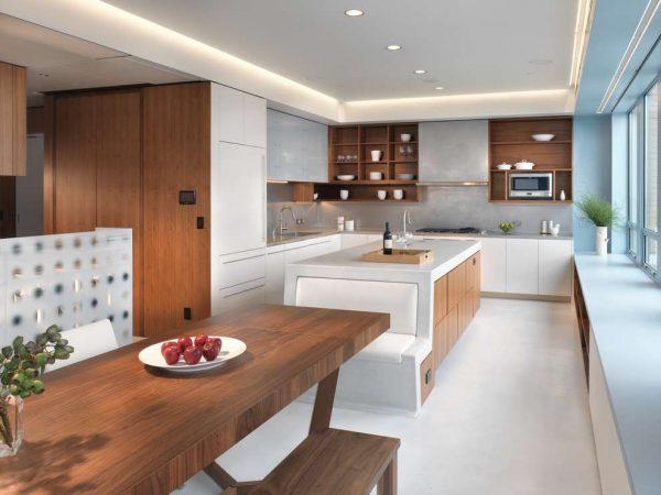 белый и коричневый на кухне в стиле модерн
